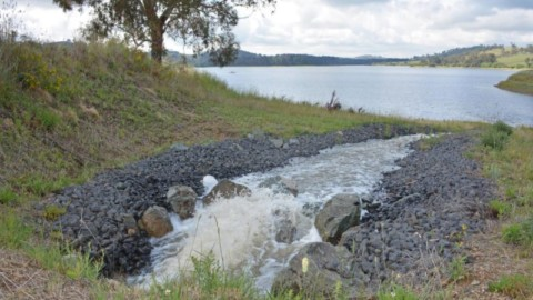Pumps keep Suma Park Dam full