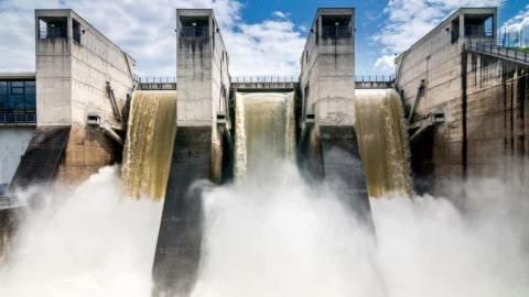 Somerset Dam pumping out renewable energy once more